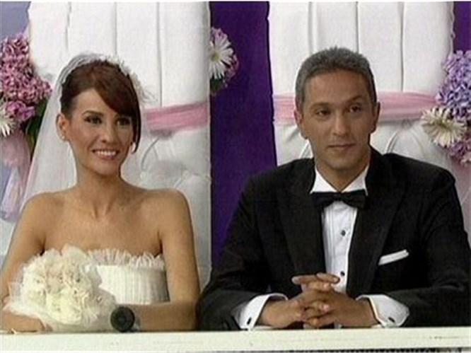 Esra Erol canlı yayında evlendi